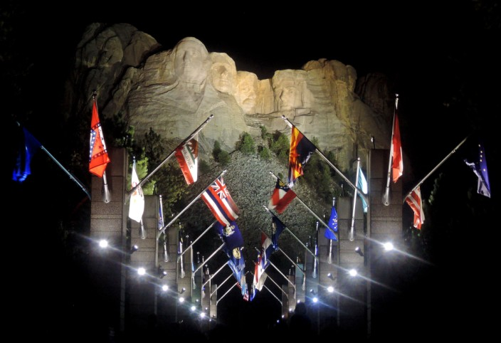 Avenue of the flags, and goodnight to Mount Rushmore