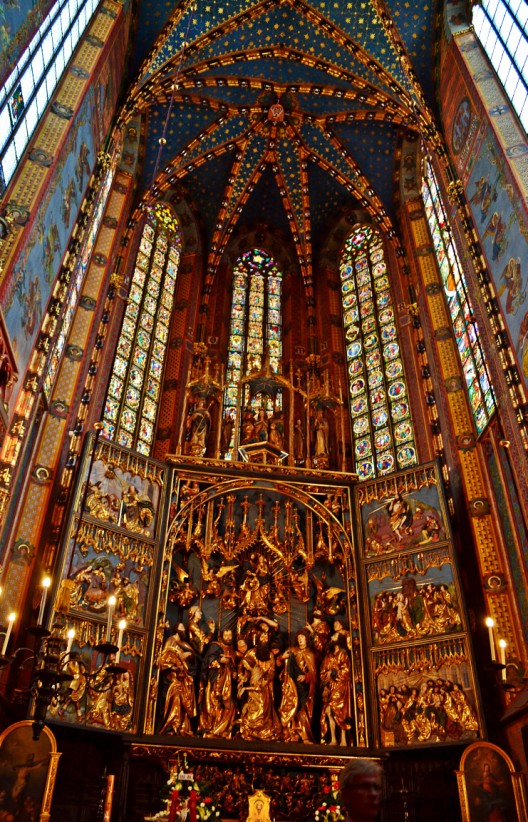 Main altar, Veit Stoss altarpiece at bottom