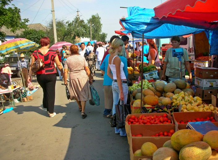 Market day in Letychiv