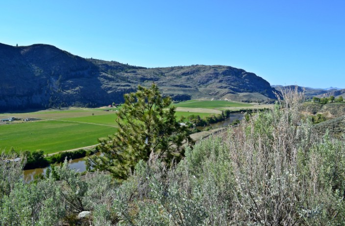 Okanagan country, a different landscape east of the mountains