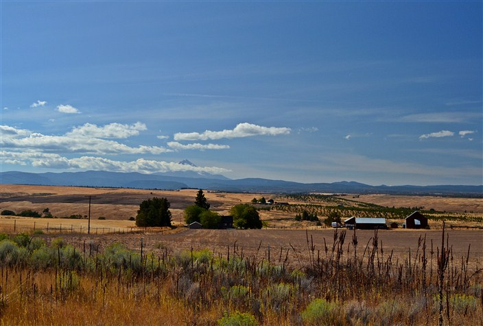 Ranch country along Highway 197 heading south toward Bend