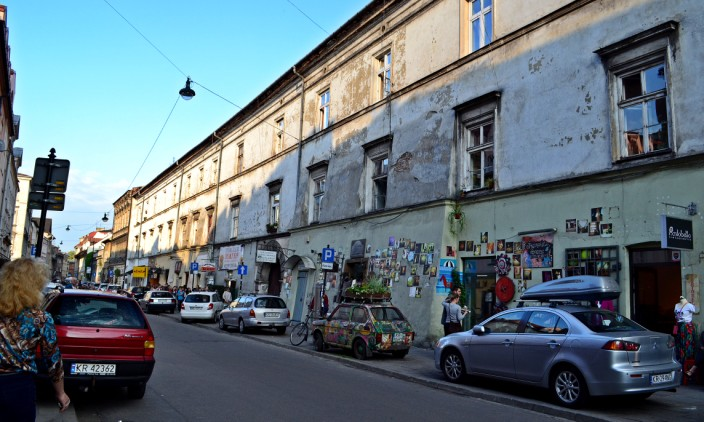 Sidewalk parking in Kazimierz