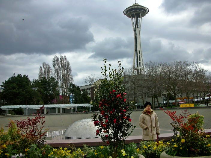 Space Needle and some of those famous gray skies